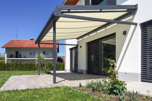 Aluminium-Glasdach Überdachung einer Terrasse