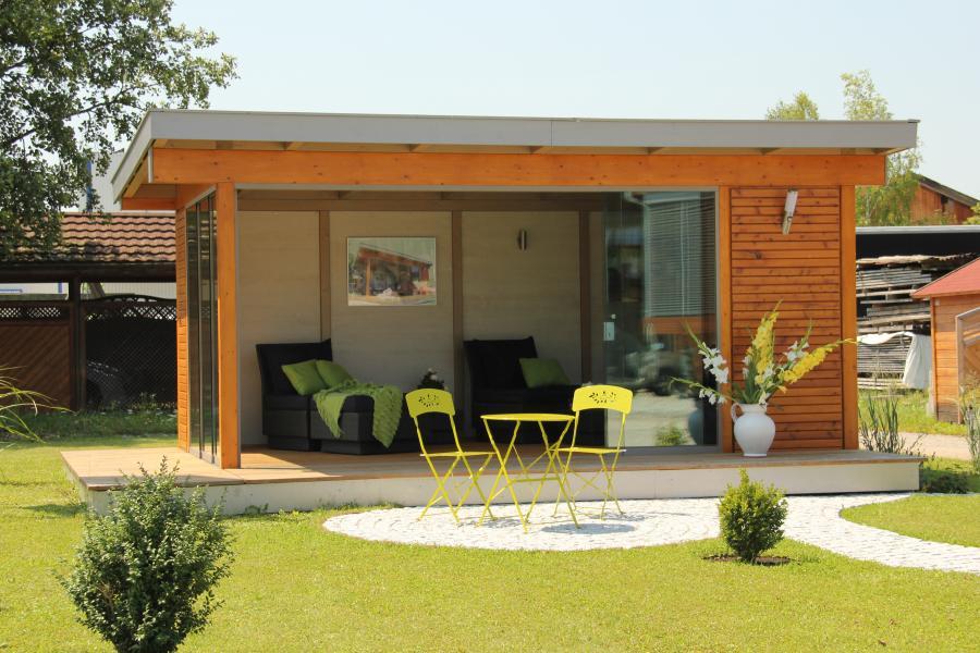 die gartenlounge als freistehender wintergarten direkt im garten. Black Bedroom Furniture Sets. Home Design Ideas