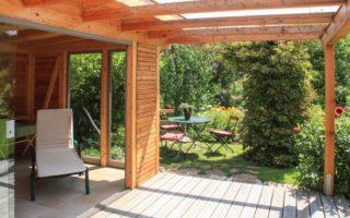 Freistehender Sommergarten Pergola m. Terrasse aus Holz in Salzburg