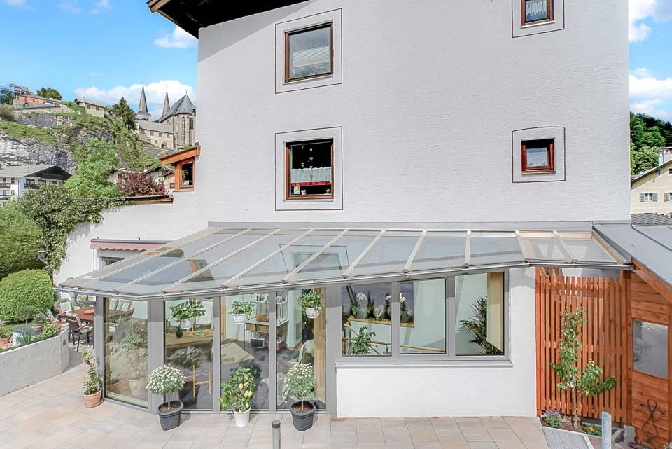 Außenansicht des Holz-Aluminium Wintergarten