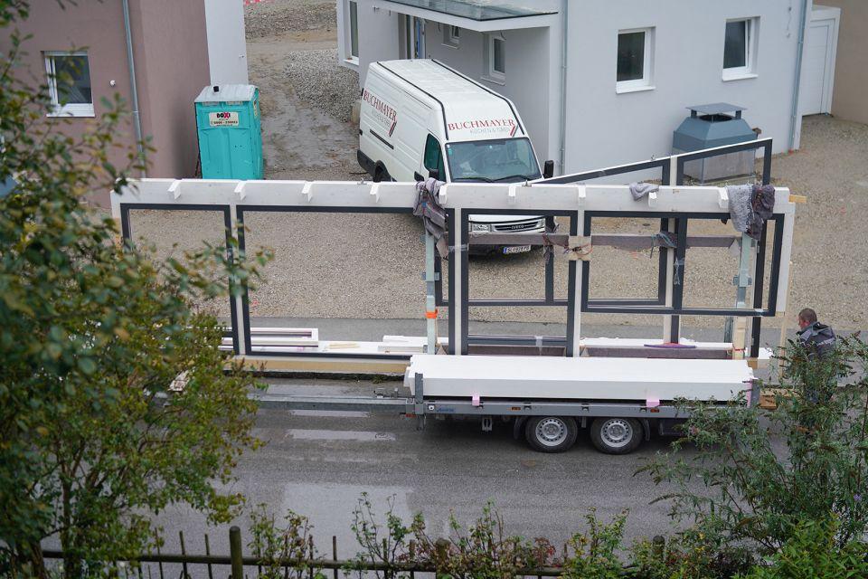 Anlieferung des Holz-Aluminium Wintergarten
